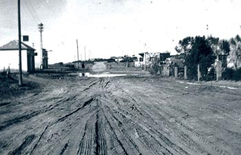 למרות המאורעות, בת ים מתפתחת - רחוב בלפור בשנות ה-30