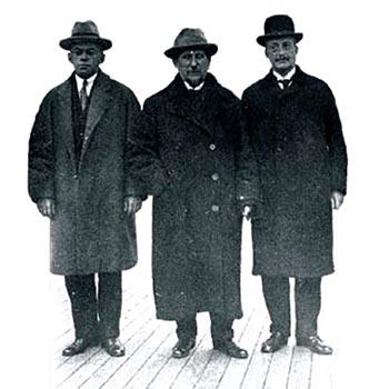 מימין לשמאל: אוטו ורבורג, נחום סוקולוב וזאב ז´בוטינסקי